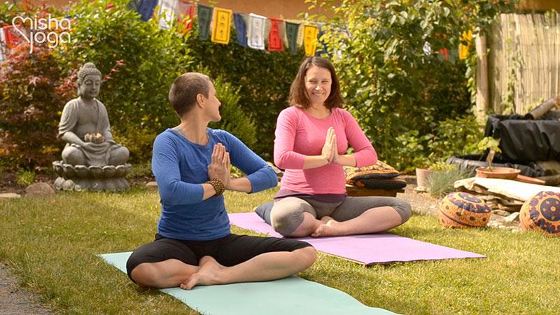 DVD Mamajóga - jóga pro těhotné ženy s mishou, vyrobilo studio Mishajoga - Michaela Klímová